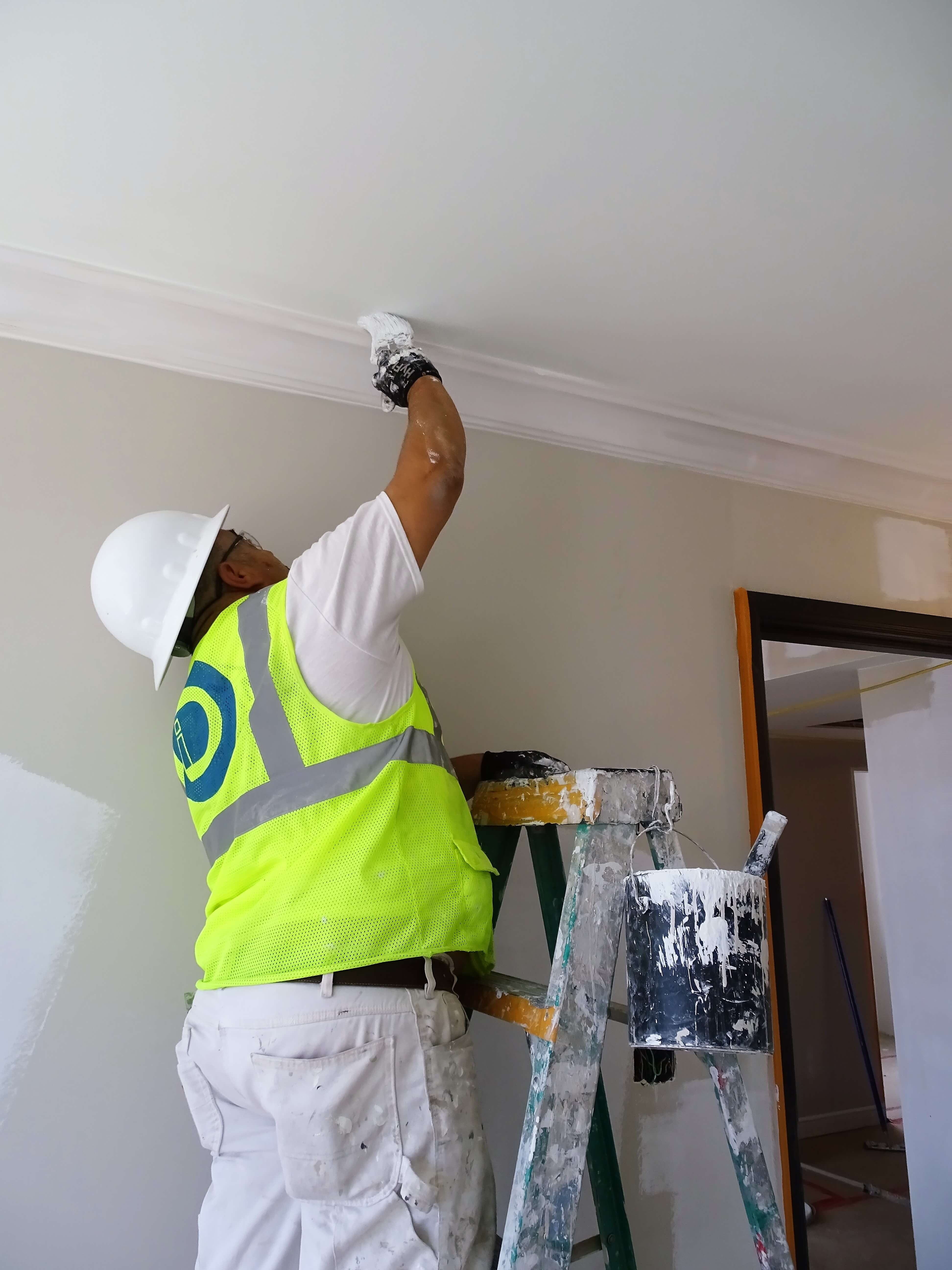 Selecting the perfect interior paint - Diversified Interiors